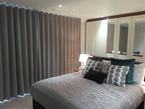 curtains  blinds fitter luton  reviews