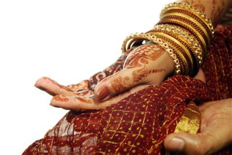 henna tattoo entfernen nagellackentferner tipps zum aufbringen auf die haut