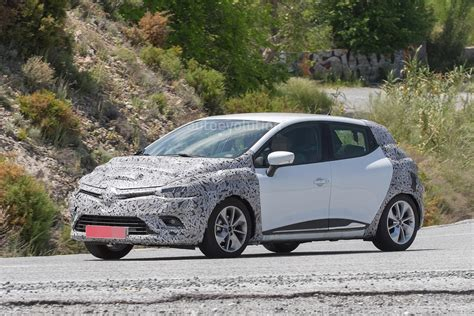 clio renault 2017 spyshots 2017 renault clio facelift is inspired by the