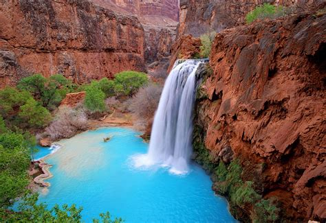 havasu falls in grand canyon closes due to flooding