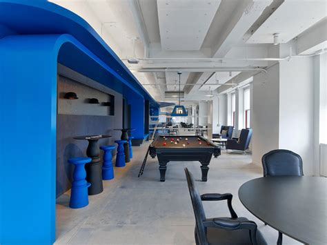 S Secret Corporate Office Nyc by Linkedin S Nyc Offices Boast A Secret Speakeasy Lounge And