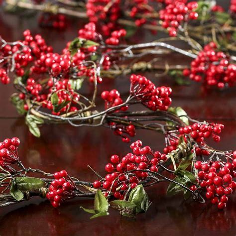 Artificial Winterberry Garland   Christmas Garlands