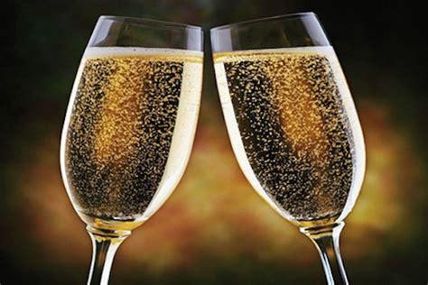 immagini bicchieri brindisi vini tipici cos 232 la spumantizzazione parte 1