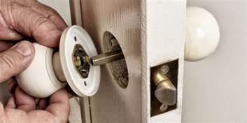 stuck door image for multipoint door lock stuck