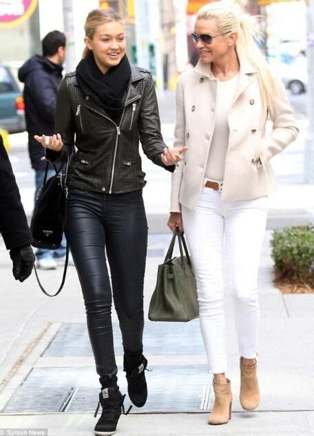 what jeans does yolanda foster wear gigi hadid and yolanda foster fashion pinterest
