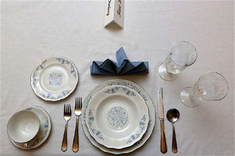 fine dining table setting toledo etiquette expert offers holiday advice the blade