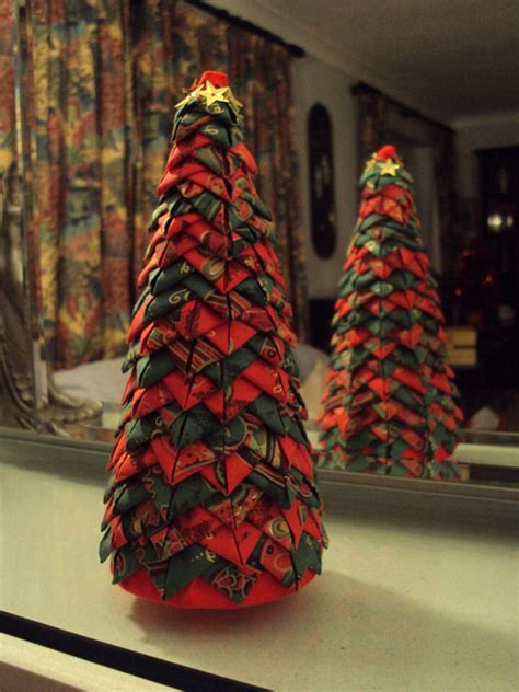 patterns for fabric christmas tree decorations items similar to christmas tree in quilted style folded
