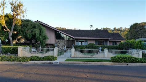 brady bunch house in california ransacked by burglars brady bunch house 45 photos 21 reviews landmarks