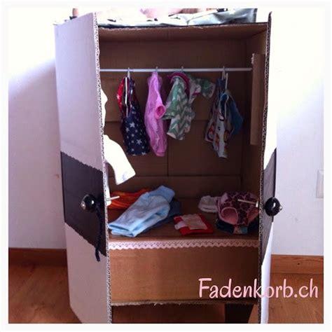 Schrank Aus Pappe Basteln by Diy Einen Puppenschrank Selber Basteln Fadenkorb Der