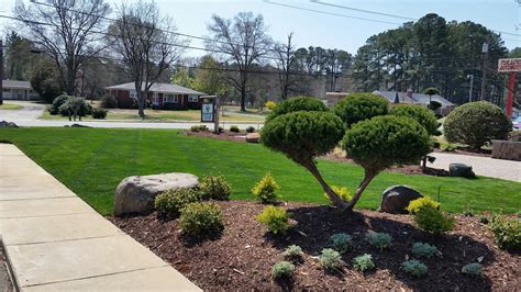 landscape design and installation lawn care services