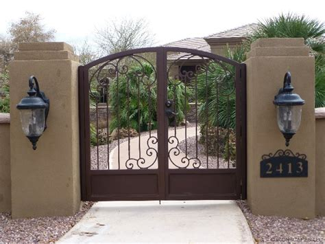 courtyard gates entry courtyard gates 171 ironscapes