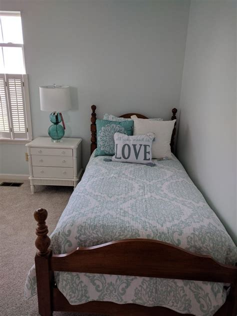 sherwin williams glimmer   light aqua