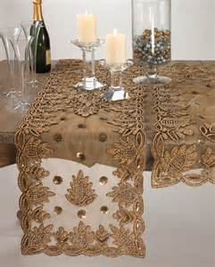 Gold Runners For Tables by Best 25 Gold Table Runners Ideas On Gold