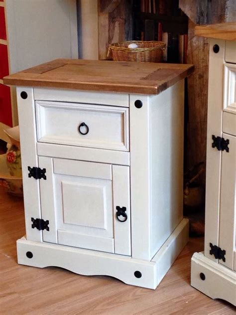 painting pine bedroom furniture 1000 ideas about painting pine furniture on pinterest