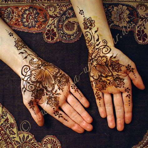 pakistan cricket player simple arabic henna design pakistan cricket player gulf henna designs