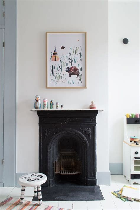 Painting Cast Iron Fireplace White by Best 25 Fireplace Ideas On