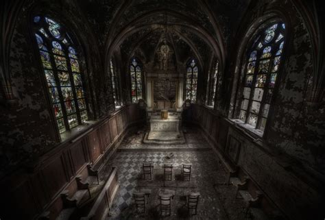 abandoned things the 38 most haunted abandoned places on earth blazepress