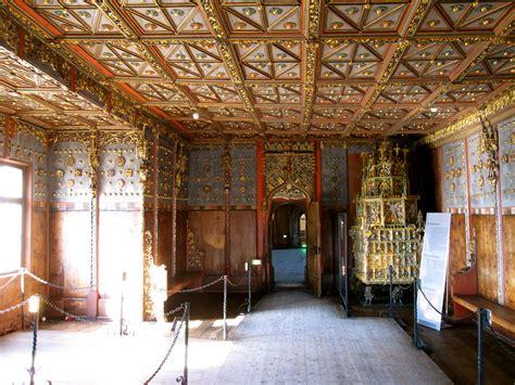 file old furniture in hohensalzburg jpg wikimedia commons file hohensalzburg castle 39 jpg wikimedia commons