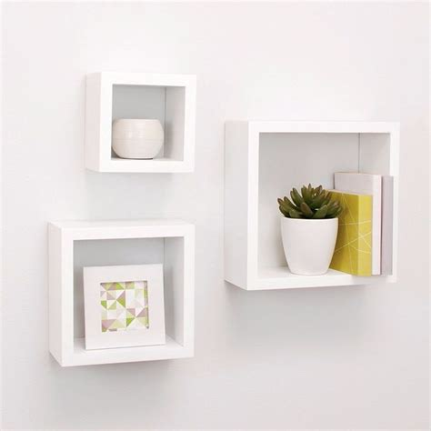 decorating floating shelves 25 best ideas about floating wall shelves on pinterest