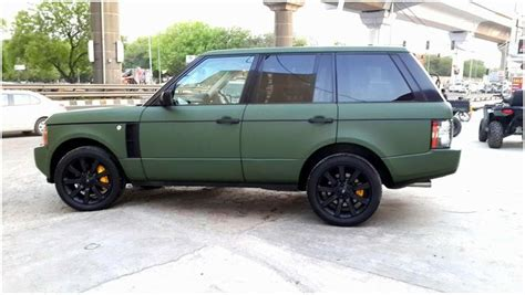 army green range rover range rover vogue wrapped in matte military green
