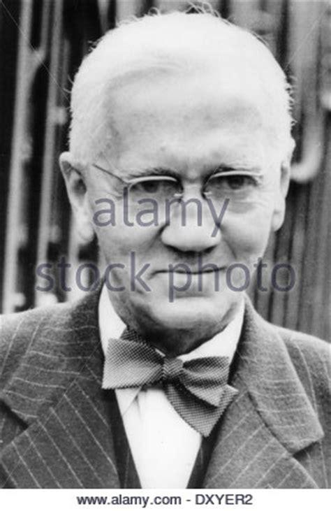 alexander fleming 1881 1955 artifact free alexander fleming 1881 1955 scottish biologist and