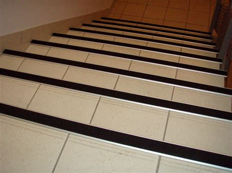 Carrelage Adhesif 170 by Nez De Marche Antid 233 Rapant Escalier Leroy Merlin Jw23