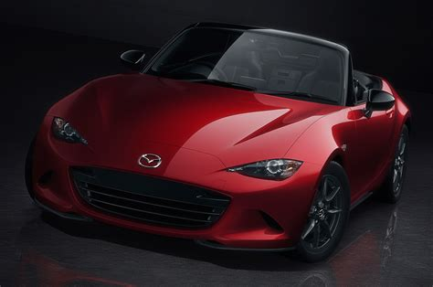 fiat spider vs miata styling size up 2017 fiat 124 spider vs 2016 mazda miata