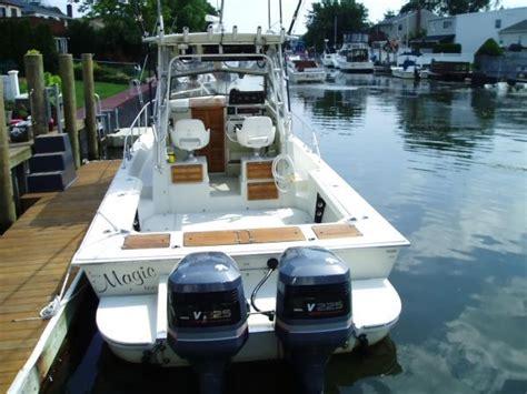 used boston whaler boat trader used 1991 boston whaler walkaround massapequa ny 11520