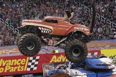 monster mutt truck videos monster jam my favorite everything