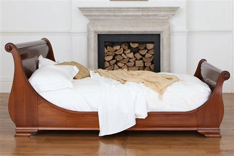 bed pictures lit bateaux style cherry veneer manoir bed and so to bed