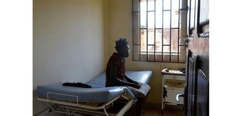 chambre hopital psychiatrique au gabon les malades mentaux trait 233 s quot comme des animaux