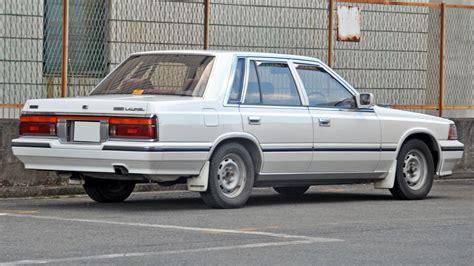 ファイル c32 nissan laurel sedan rear jpg