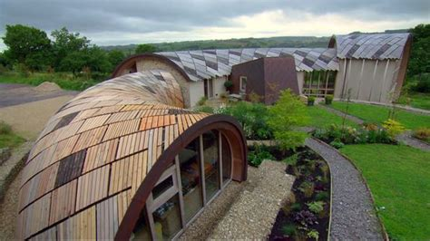 grand designs sustainable house couple s 163 800k devon snake house featured on tonight s grand designs devon live