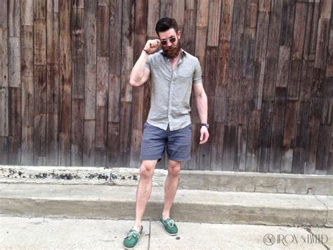 boat shoes with socks or without mens sockless guide 27 ways for men to wear shoes without