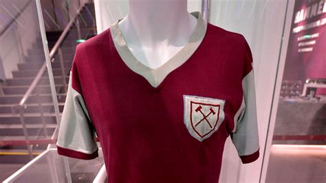Jersey Hammers Esports bobby moore s debut shirt to go on display west ham united