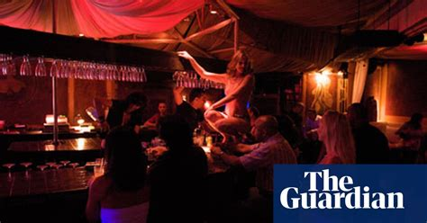 york strip club loses bid   lap dances legally
