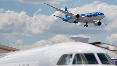 cheap international flights   airports  fly