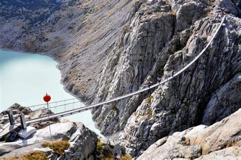 20 scariest bridges around the world