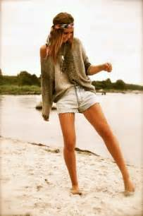 Beach outfits to wear with denim shorts