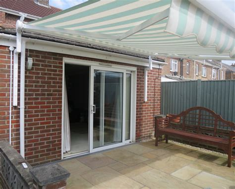 electric sun awnings electric awnings hshire dorset surrey sussex awningsouth