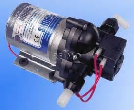 12v cing dusche shurflo trailking 10 liter min 62002 reimo