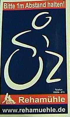 Aufkleber Rollstuhlfahrer Abstand Halten by Achtung Ladere Bitte 3 M Abstand Halten Aufkleber