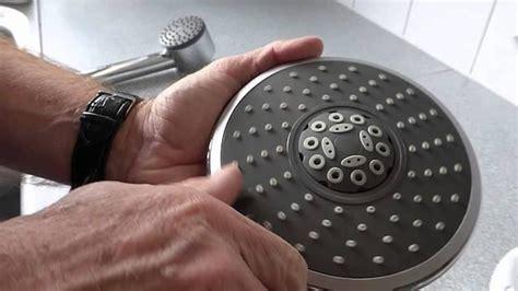 smontare soffione doccia come pulire ed eliminare il calcare dal soffione della doccia