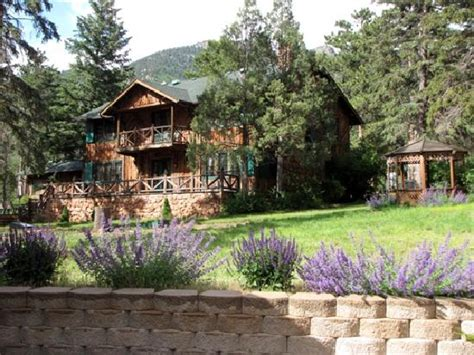 bed breakfast lodge cabins rentals rocky mountain