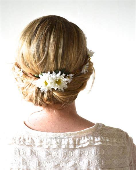 Hochzeitsfrisur Blumenkranz by Brautfrisur Mit Blumenkranz Frisuren Mit Frischen Blumen
