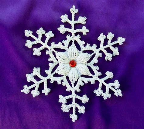fiori natalizi all uncinetto fiocchi di neve all uncinetto decorazioni natalizi