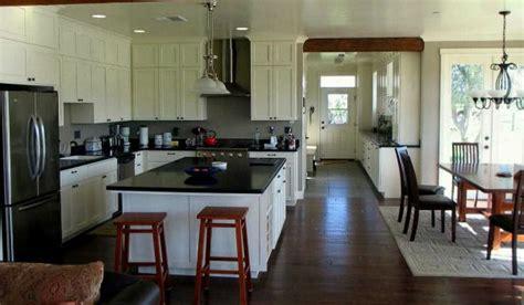 tips mercancang dapur menyatu  ruang makan desain