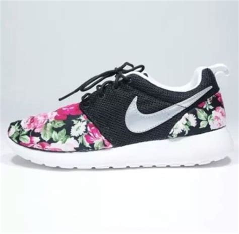 flower pattern nike shoes shoes nike rosh floral design wheretoget