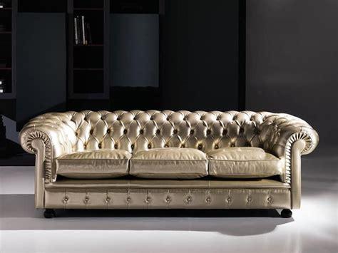 divani capitonne divano classico capitonn 233 in pelle per aree pubbliche