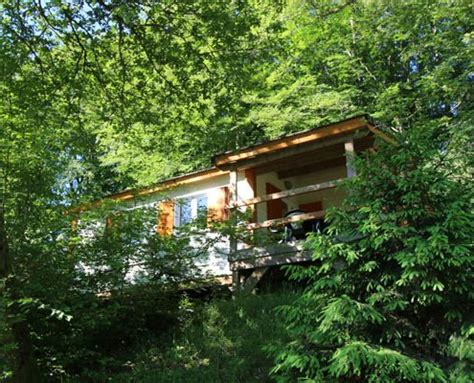 Table Ronde 10 Personnes 495 by Chalet Edelweiss H10 Cing Chalets Settons